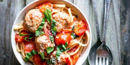 Fresh Basil and Tomato Pasta